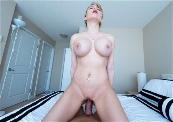 none katie banks gets naked
