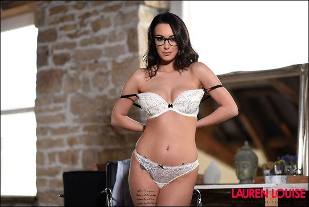 Lauren Louise Hot Assistant - Fine Hotties - Hot Naked Girls, Celebrities, and HD Porn Videos